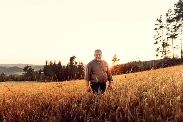 Foto_04_Hermann_Rogner_Feld-web.jpg