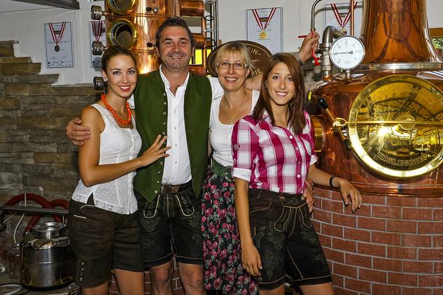 Familie Warter Dachstein Destillerie