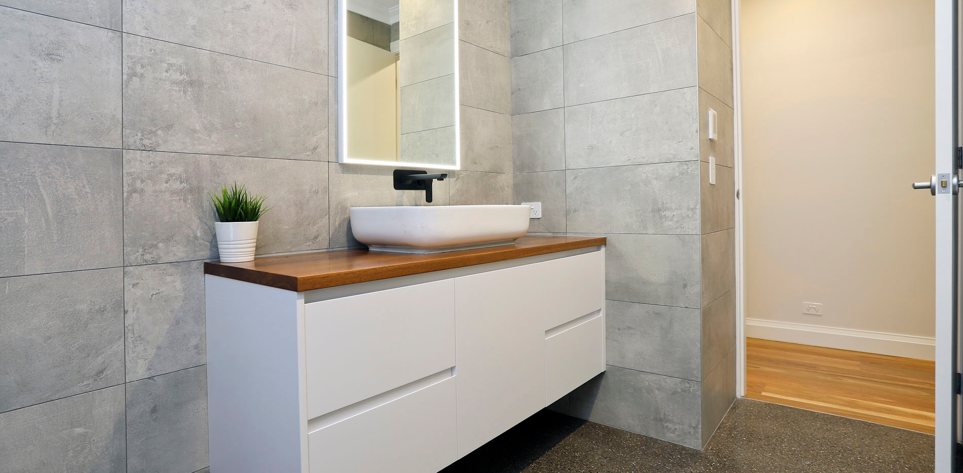 Small Bathrooms-Powder Rooms (15)