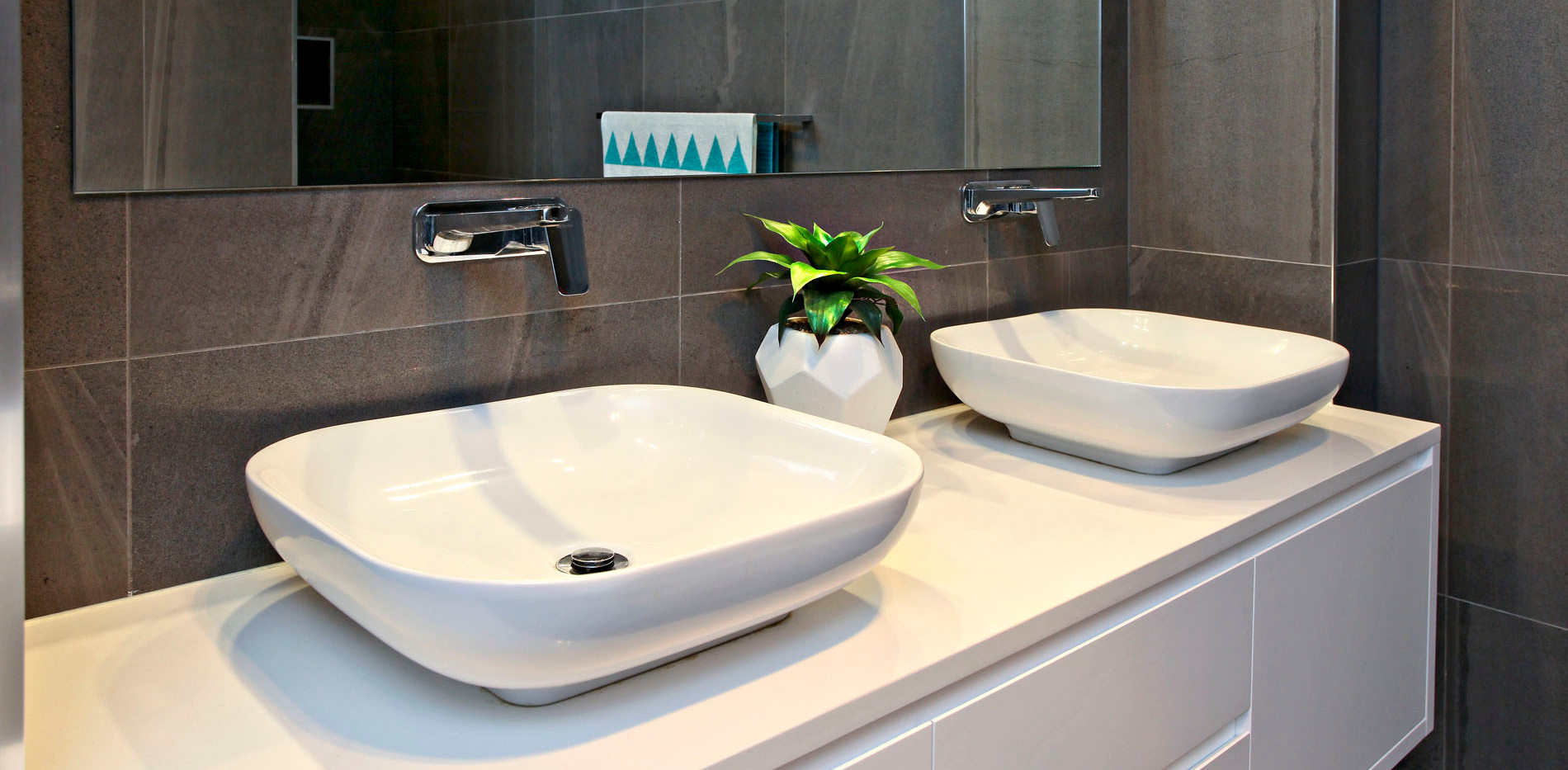 Small Bathrooms-Powder Rooms (7)