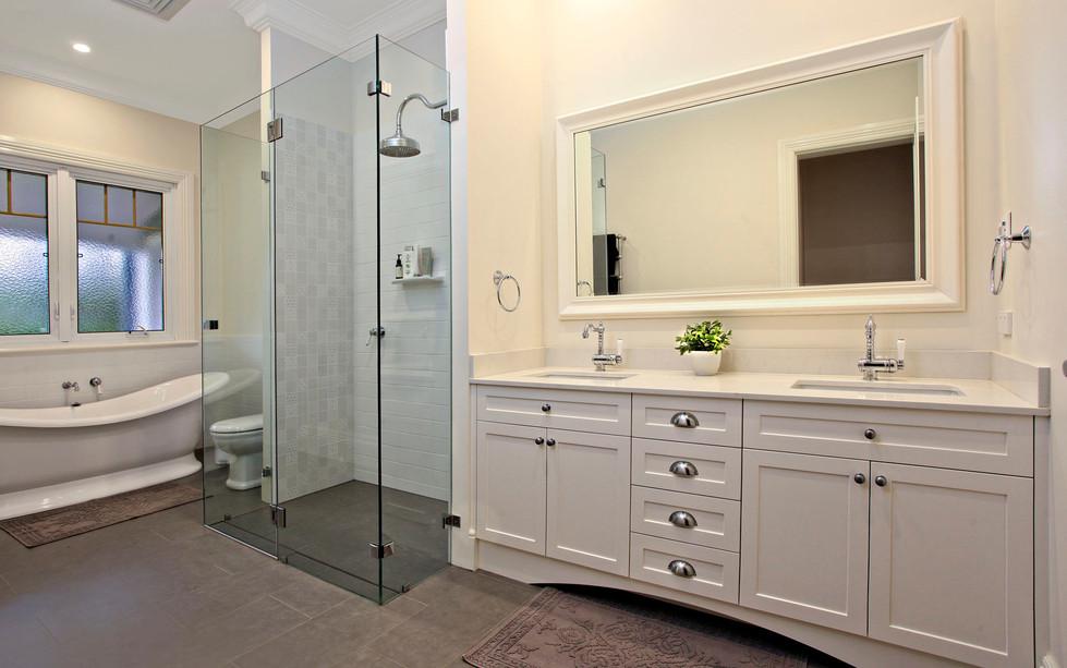 Hawkesbury bathrooms and Kitchens (21)