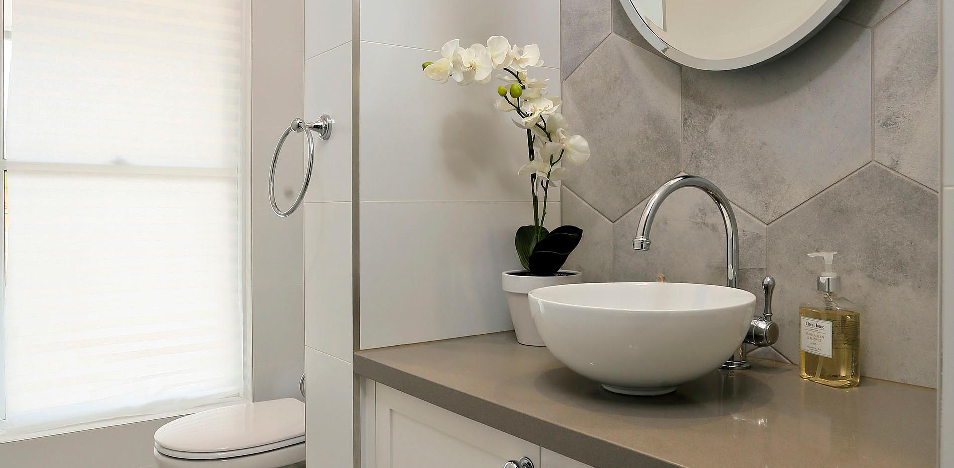Small Bathrooms-Powder Rooms (8)