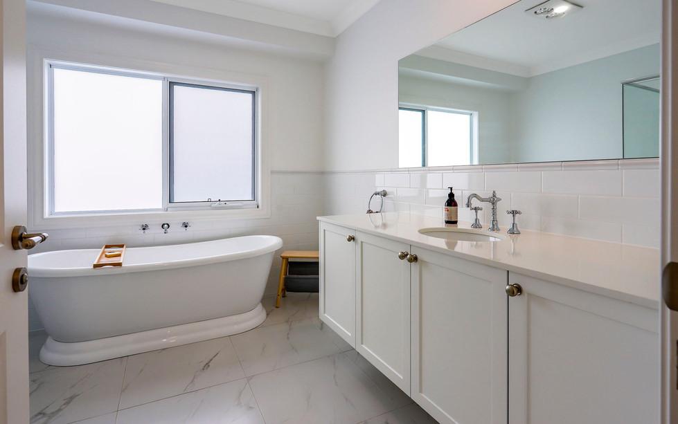 Hawkesbury bathrooms and Kitchens (11)
