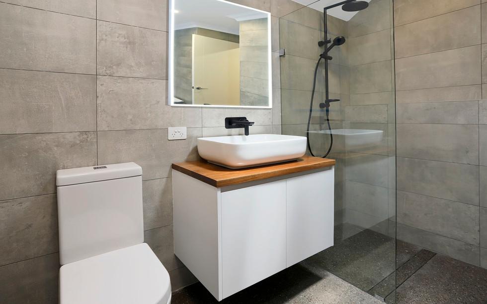 Small Bathrooms-Powder Rooms (17)