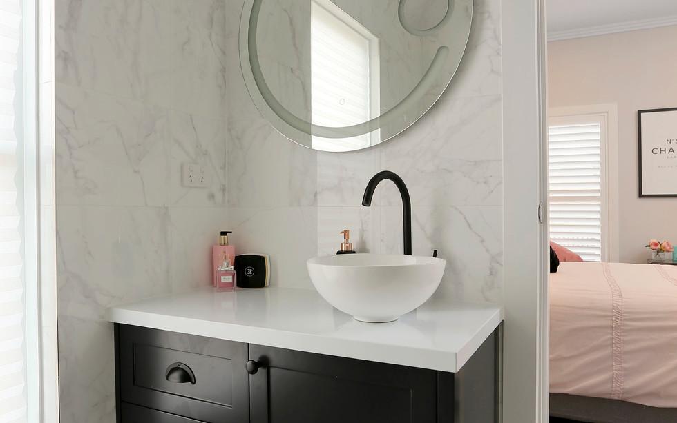 Small Bathrooms-Powder Rooms (9)