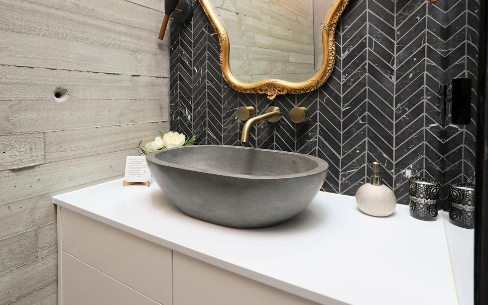Small Bathrooms-Powder Rooms (20)