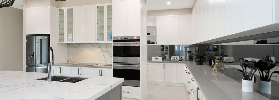 Modern Kitchen with marble benchtops