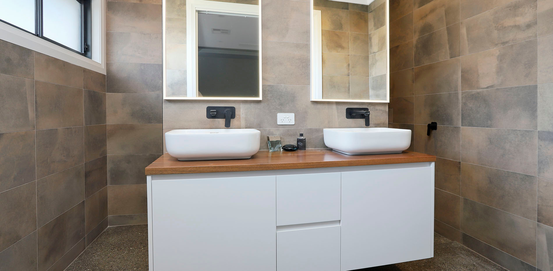 Hawkesbury bathrooms and Kitchens (48)