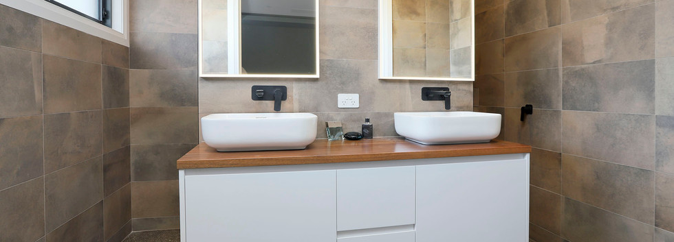 Hawkesbury bathrooms and Kitchens (48)