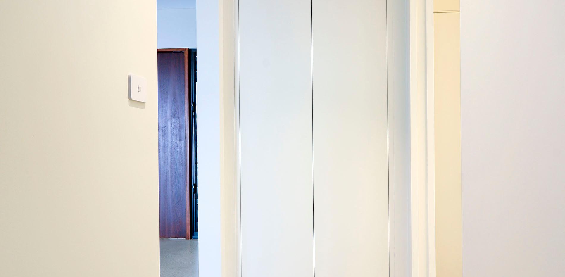 Freemans Reach Hallway Cupbaord