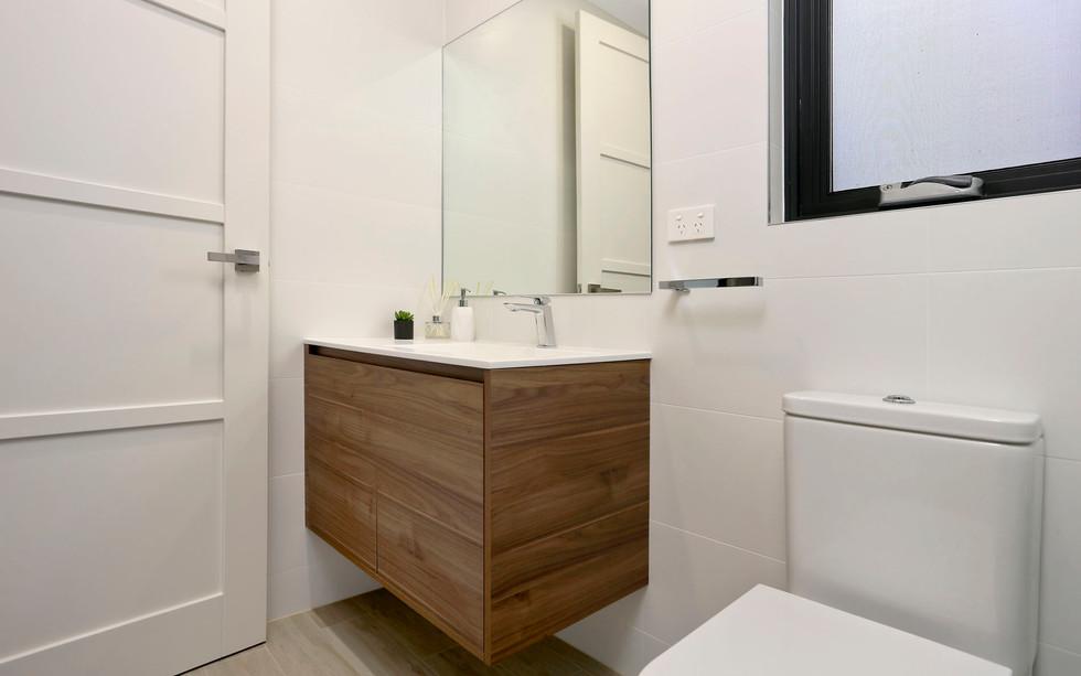 Small Bathrooms-Powder Rooms (3)