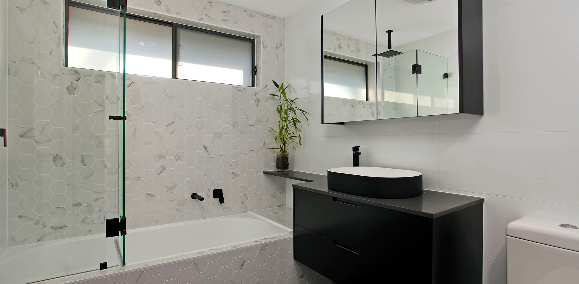 Small Bathrooms-Powder Rooms (26)