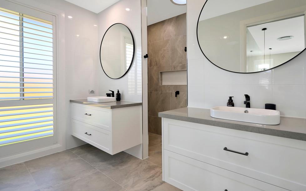 Hawkesbury Bathrooms and Kitchens.1