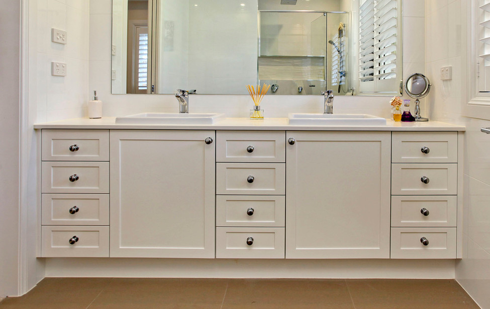 French Provincial ensuite