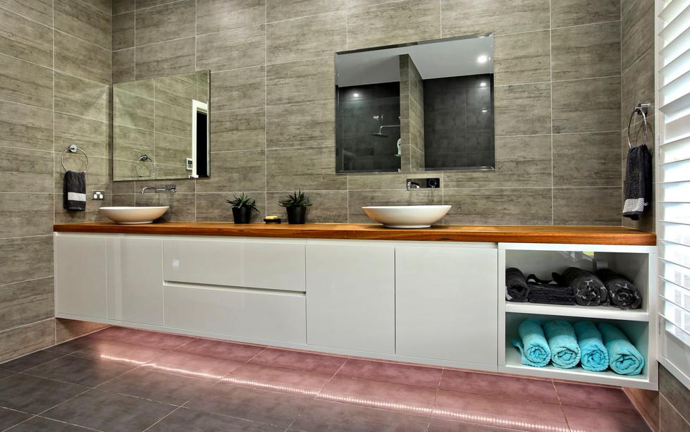 Hawkesbury bathrooms and Kitchens (34)
