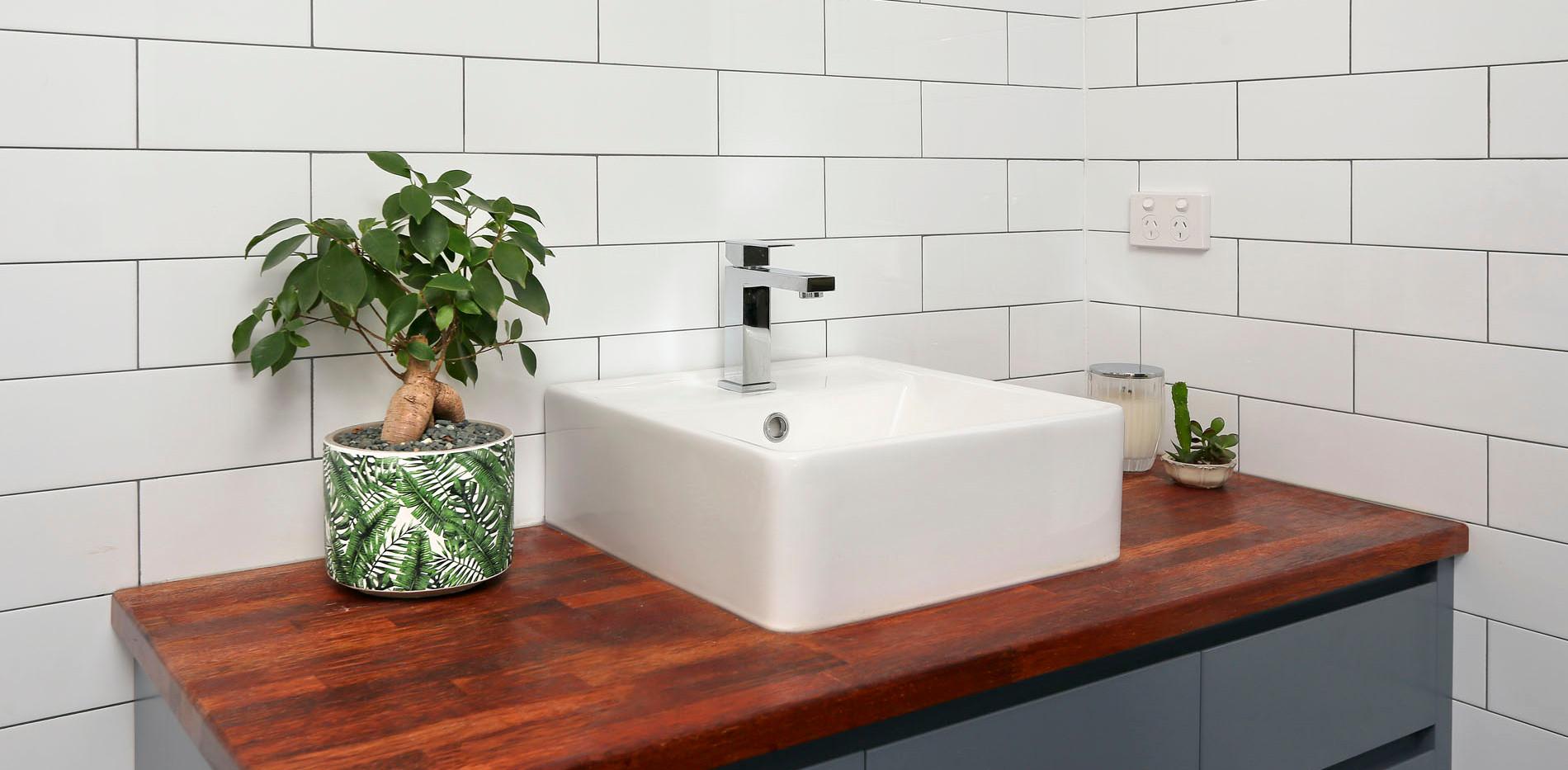 Small Bathrooms-Powder Rooms (27)