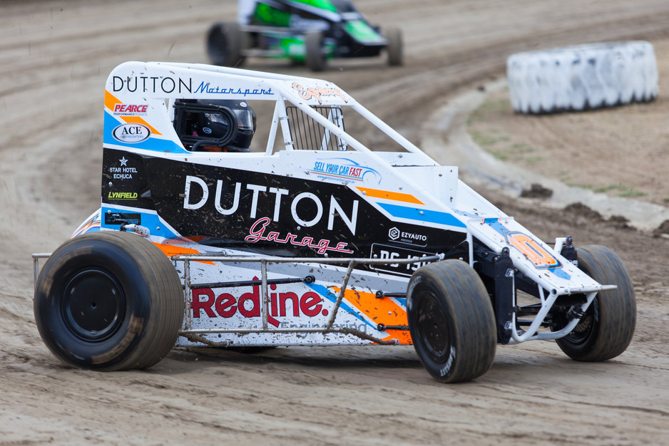 Travis Mills & Justin Paull take back to back Features at Simpson & Laang.