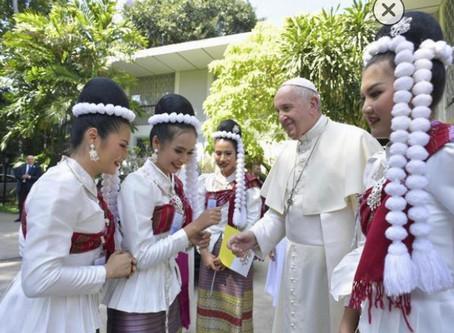 Papa: proteggere donne e bimbi da abusi