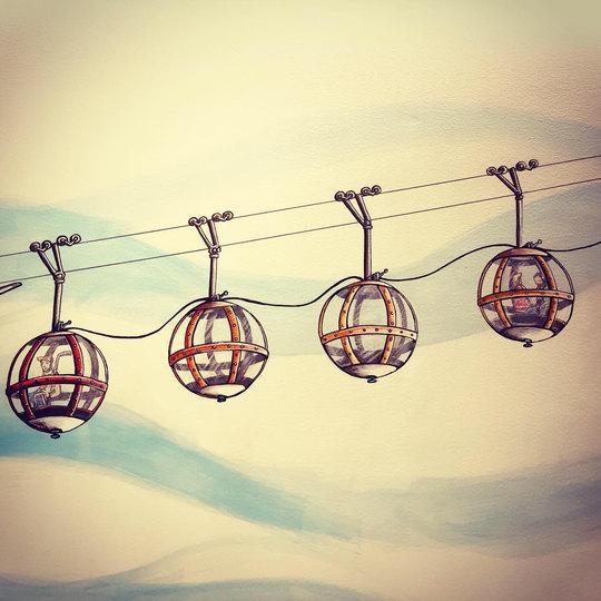 Les Boules de Grenoble - colorié façon cabine de la Grave-La Meije