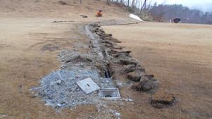18番ホールの暗渠排水工事
