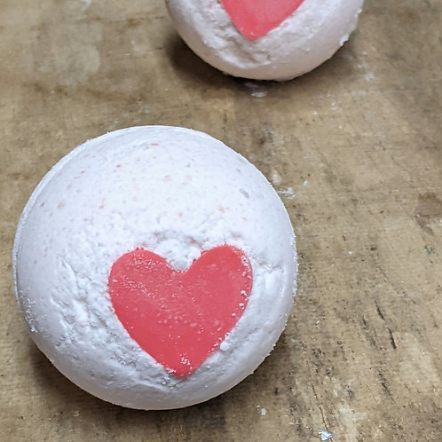 Bombe de bain fruité avec savon en coeur