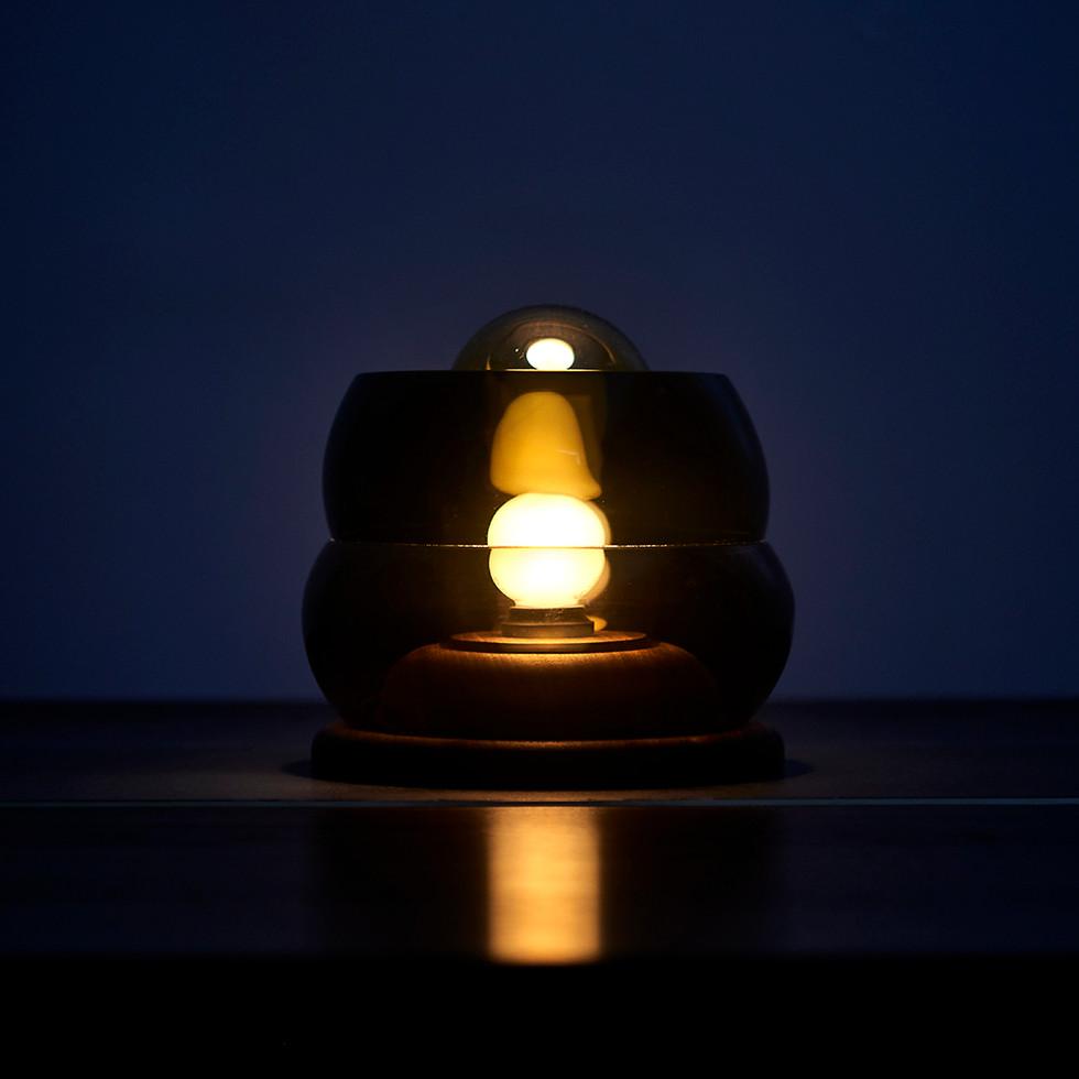 Glass_Lamp01.jpg