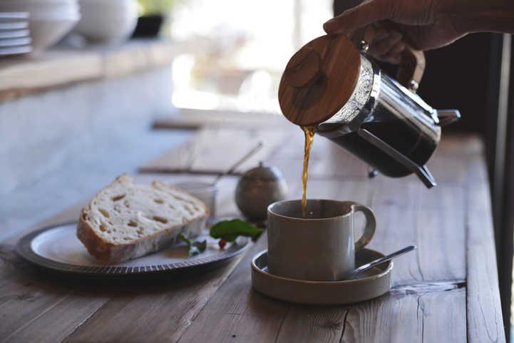 ひき立て豆で淹れるフレンチプレスコーヒー
