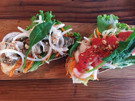 秋刀魚のコンフィーサンドイッチ