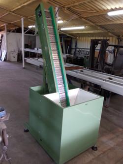 מסוע מעלית סלט - Slat Conveyor