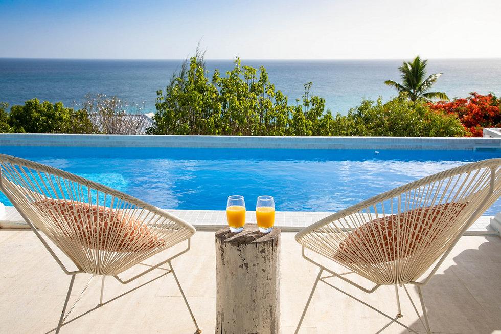 piscine et terrace 2.jpeg