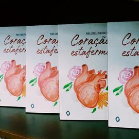 """Leia uma crônica do livro """"Coração estafermo"""""""