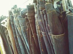 ג'ינסים ומלא....