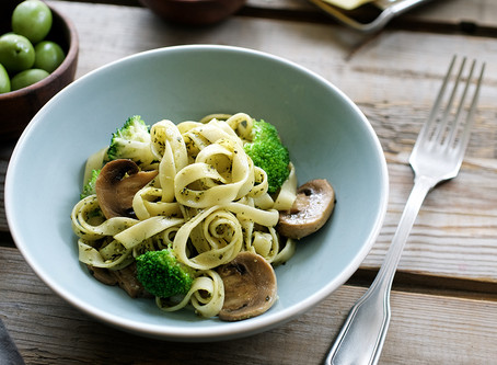 Koolhydraatarm: Broccolischotel met magere kaas