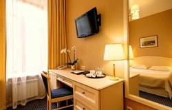 din-hotel-villaaston-02.jpg