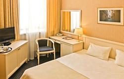 din-hotel-villaaston-01.jpg