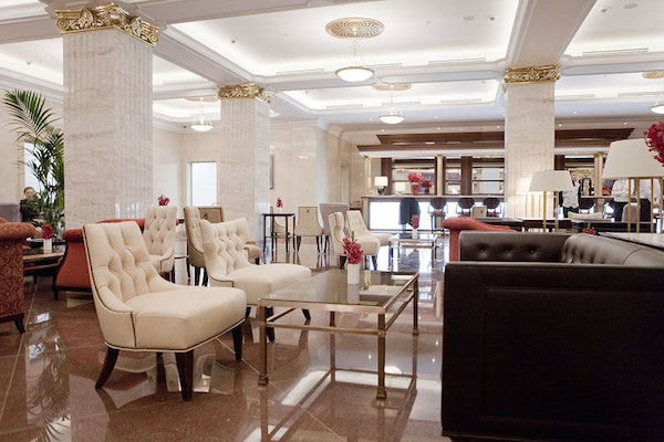 din-hotel-lobby-bar-2.jpg