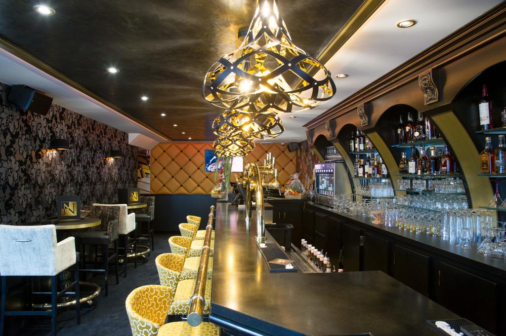 Supermorgana-Nelson-pub-2_yourslamp