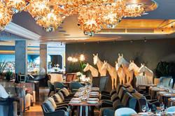 white-horses-under-veli-gold-by-adriano-rachele-erwin-restaurant-moscow