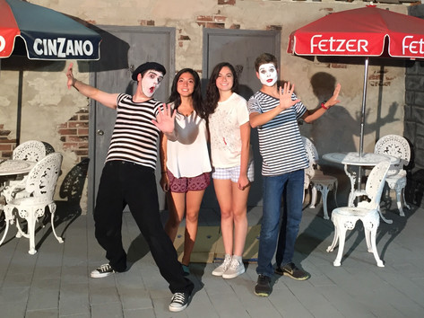 Mimes On Set