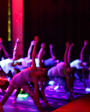 glow yoga event berlin