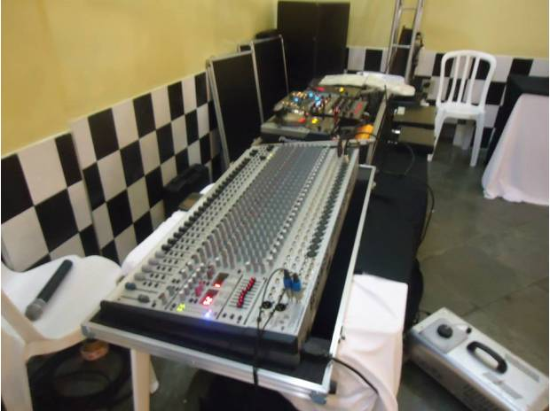 MESA+DE+SOM+BEHRINGER+E+PAR+DE+CDJ+400+PIONNER+MIX+DDM+400+APARELHO+DO+DJ+1