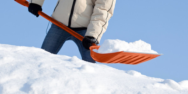Snow Shoveling Technique with Tips
