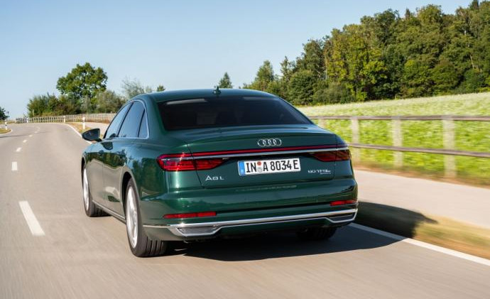 D5-Audi-A8-L-60-TFSI-e-23-1200x798.jpg