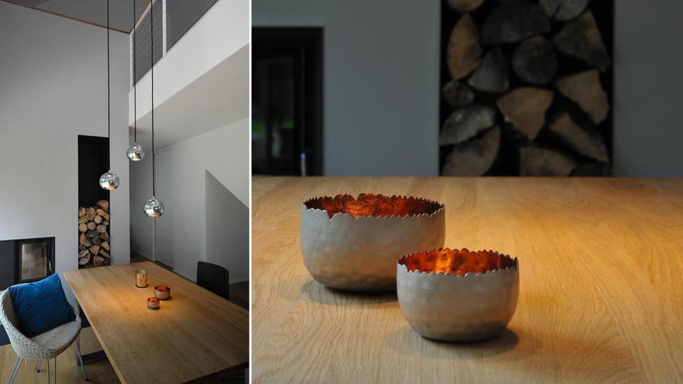 Esszimmer mit Kamin und Galerie