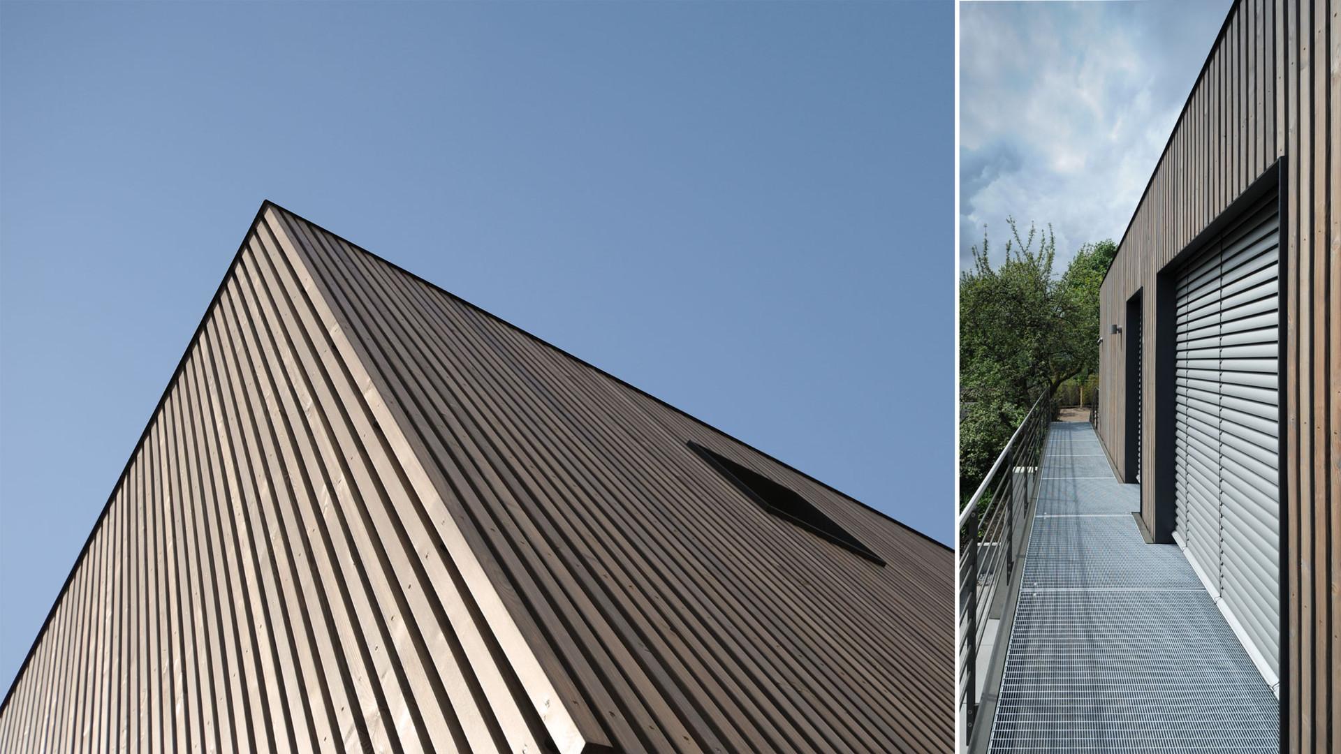 Stahltreppe an Wohnhaus