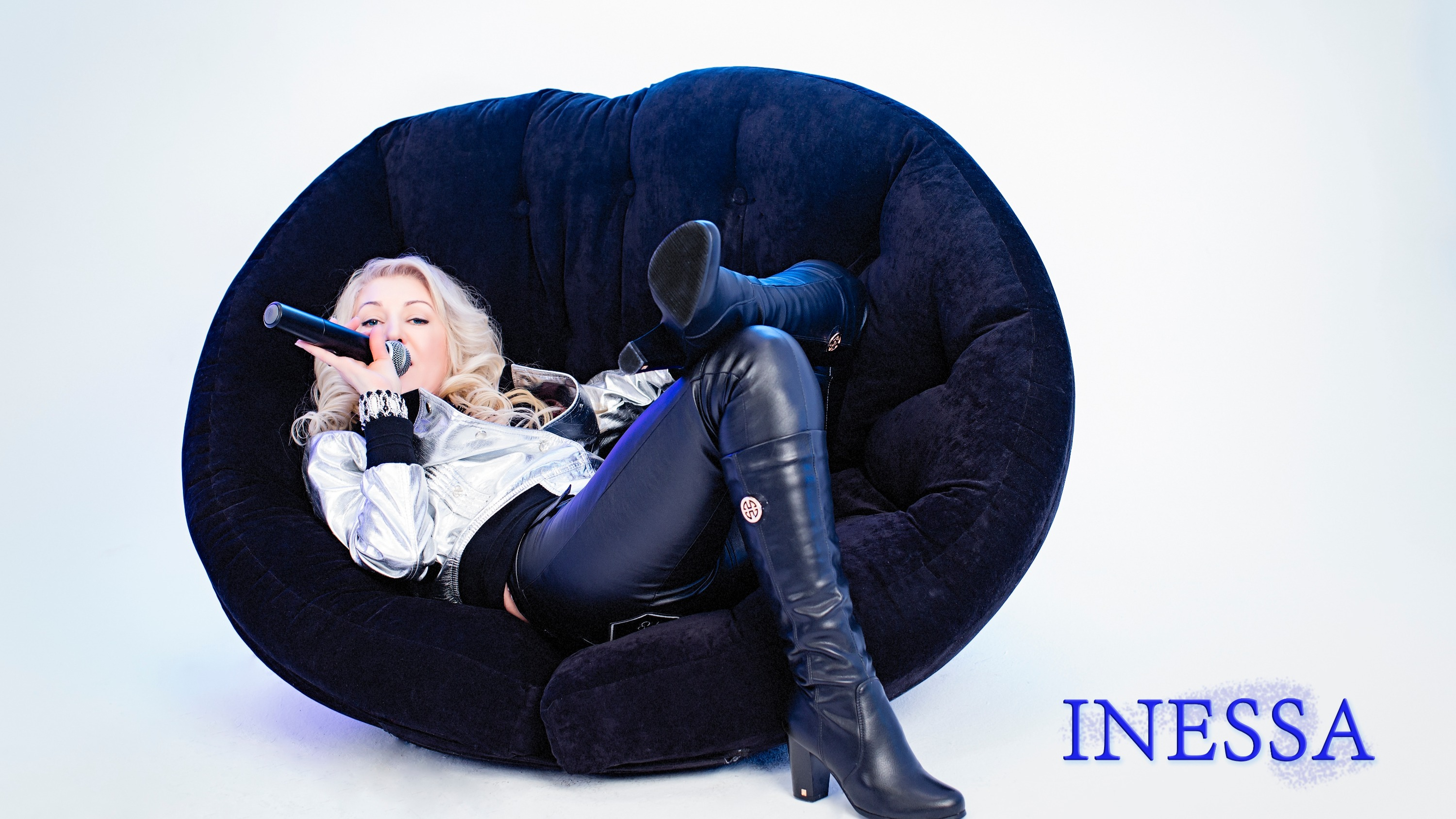 Singer INESSA | Moscow, Russia