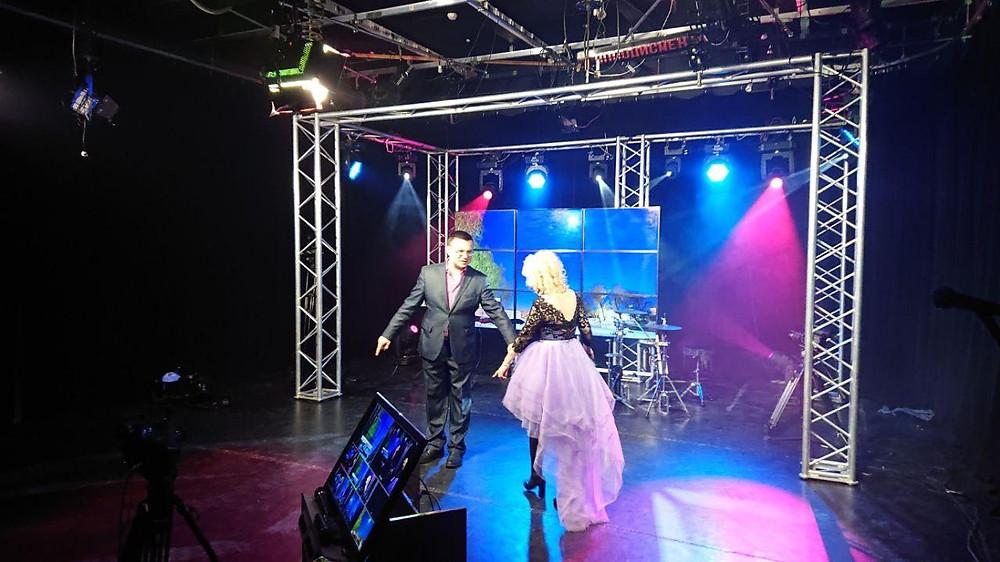 Певица Инесса. Запись песни для концерта ко дню всех влюбленных на телеканале Теледом.