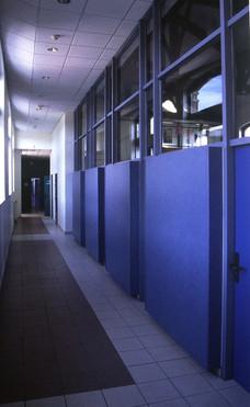 GENN-primA-facadebleue couloir.jpg