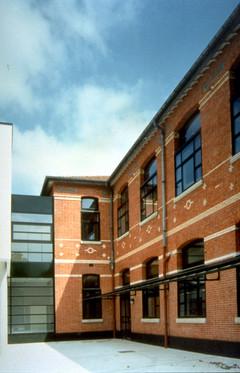 GENN-PrimB-IMG74-facade cour.jpg