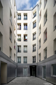 Paris 391pyr_TOP8216.jpg